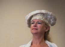 Carla-van-Belle-Vilt-hoedje-vilten-felt-hat-white-hat-is-indigo-blue-now