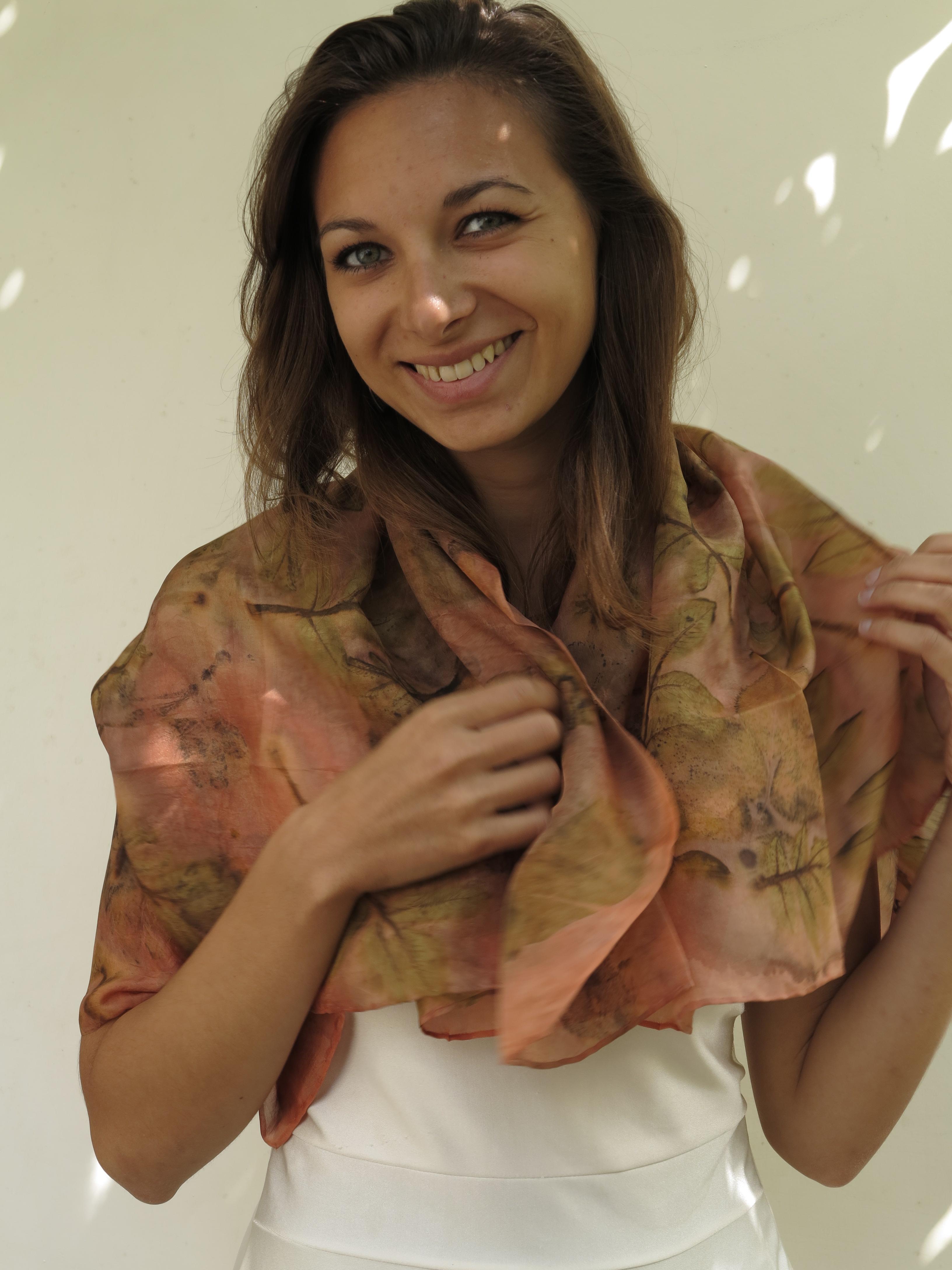 meekrap natural dye botanical print walnut